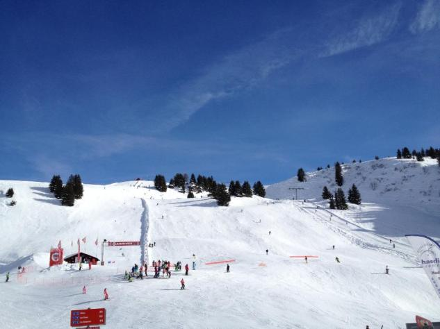 Sunny day on the slopes of Villars