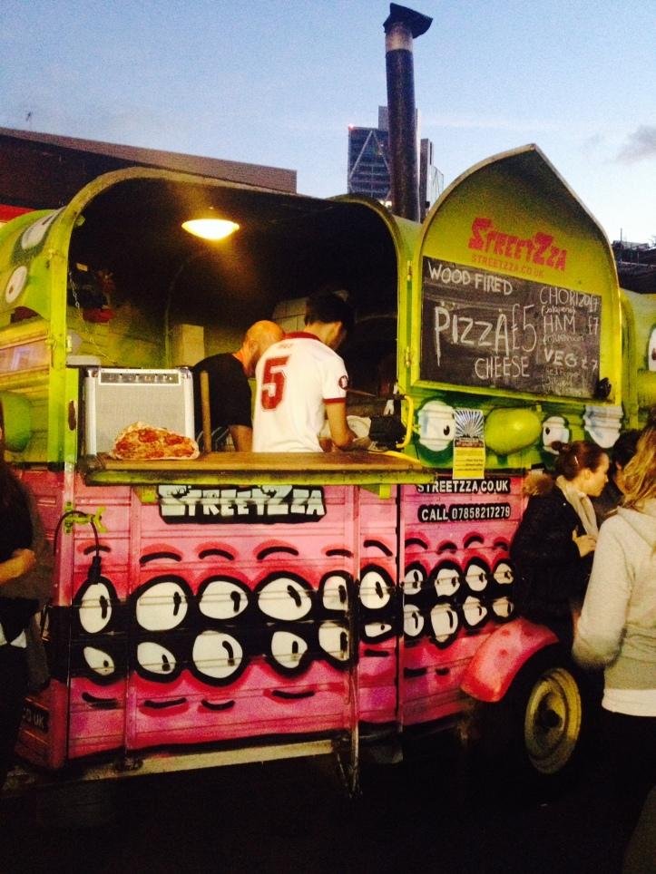 Pizza truck - thin, crunchy... YUMMY :D